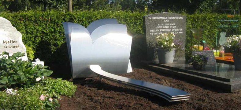 Modern RVS grafmonument met harten voor kind - meisje