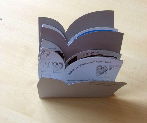 boekje Bijzonder RVS grafmonument met harten voor kind