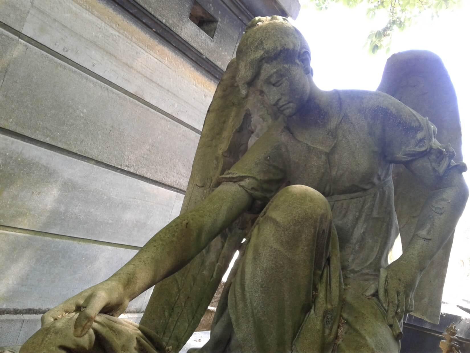 engel op begraafplaats