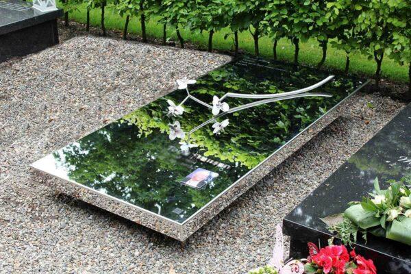 grafkunst grafsteen glas met orchidee