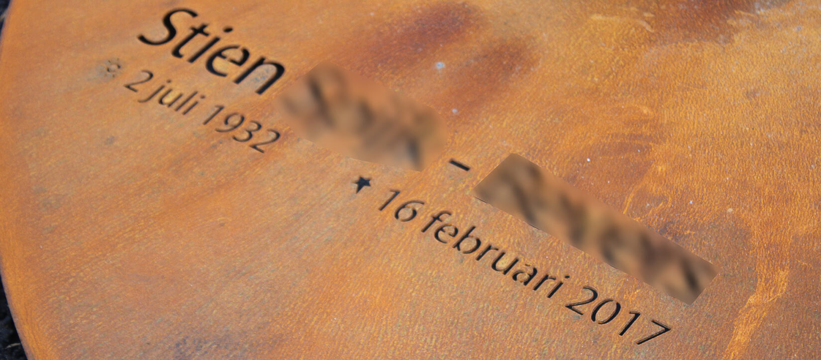 corten staal geroest staal grafmonument