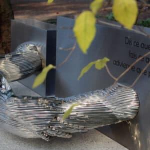 Detail grafkunst op begraafplaats zorgvlied