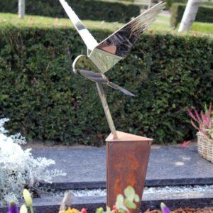 Modern RVS vogel - valk - voor echtgenoot partner