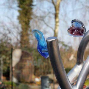 Modern Kindermonument RVS boompje met glazen hartjes voor kind